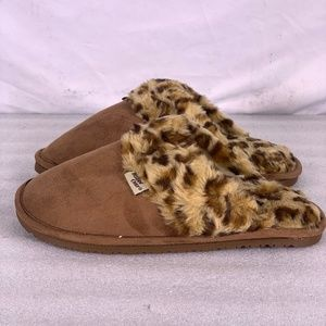 Western Chief Brown Cheetah Scuff Slippers (A22-7C